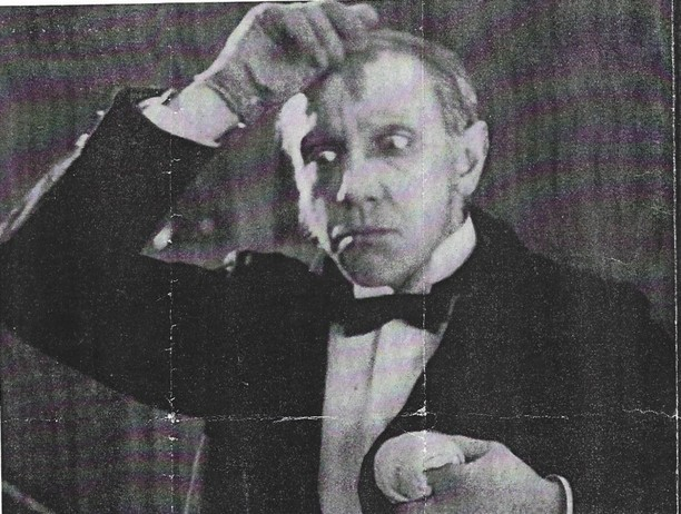 Waiter in The Man from the Restaurant 1927